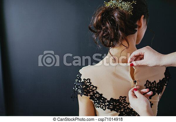 美しい, dress., 若い, 背中, 女, 黒, 光景 - csp71014918