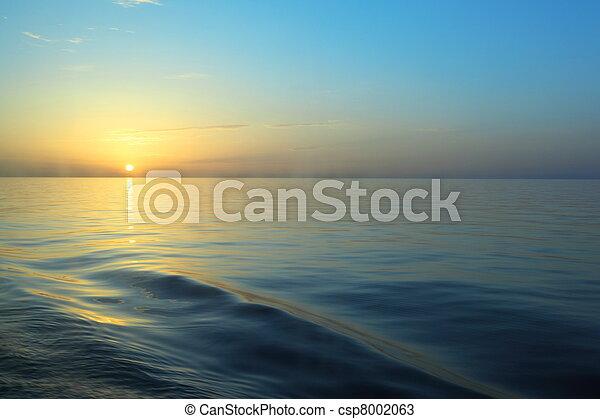 美しい, water., デッキ, 巡航, ship., 下に, 日の出, 光景 - csp8002063