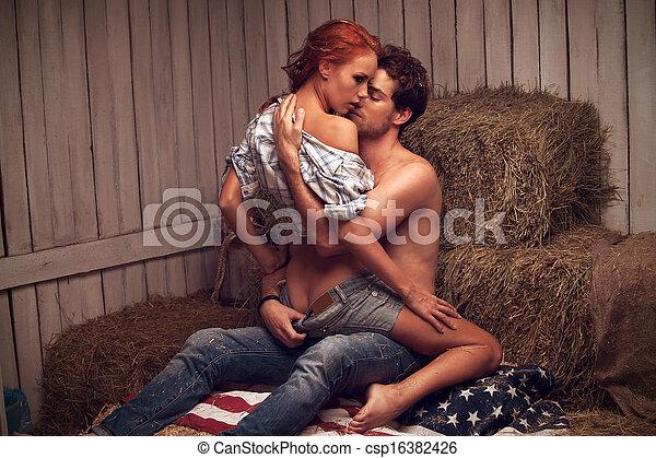 美麗, 坐, 性感, 親吻, woman., hayloft, 人 - csp16382426