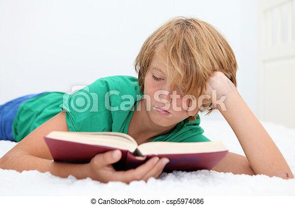 聖書, 読書, 子供 - csp5974086