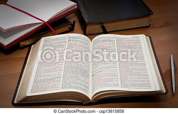 聖經, 打開 - csp13615858