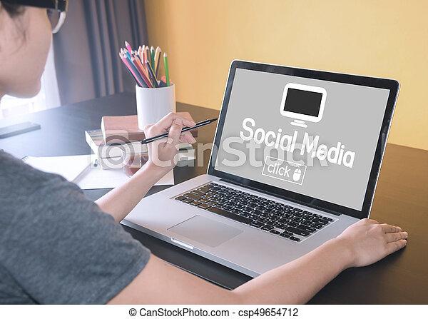 聯网, 事務, 媒介, concept., 革新, 手, 鍵入, 計算机鍵盤, 屏幕, 技術, 主頁, 膝上型, 社會 - csp49654712