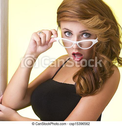 肖像画, 女, 若い, ガラス - csp15396562