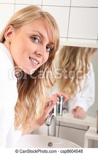 肖像画, 浴室, 女, 若い - csp8604548