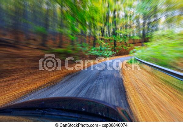 自動車, 速く運転, 森林 - csp30840074