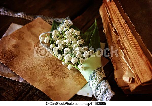 花束, ユリ, 本, レトロ - csp41193885