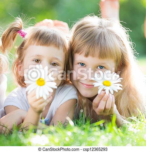 花, 子供, 幸せ - csp12365293
