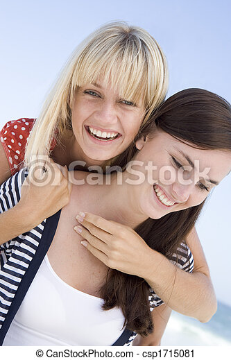 若い女性たち, ポーズを取る, 2, 屋外で - csp1715081