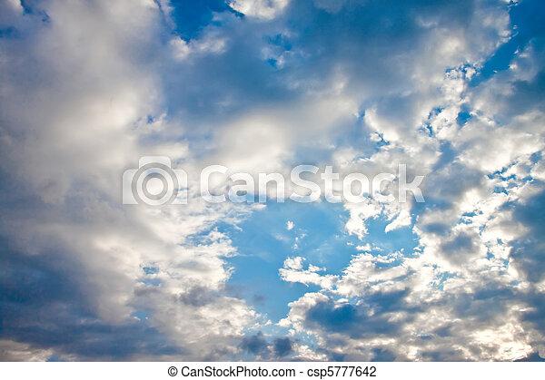 藍色的天空, 云霧, sun. - csp5777642