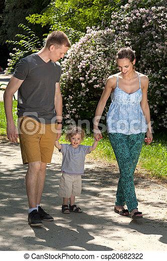 行く, 家族, 歩きなさい - csp20682322