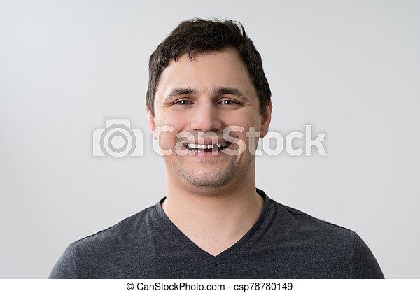 行方不明の歯, 人 - csp78780149