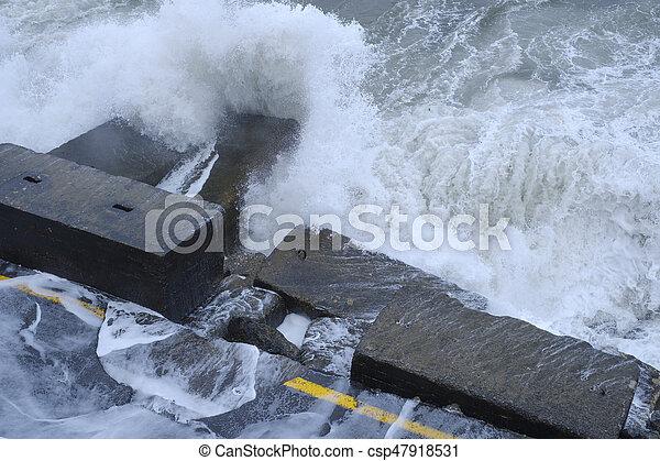 衝突, 水, quayside, 波, 破壊しなさい, 道 - csp47918531