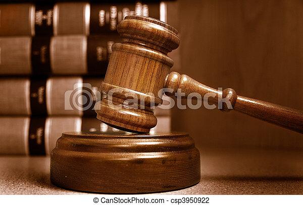 裁判官, 積み重ねられた, の後ろ, 本, 小槌, 法律 - csp3950922