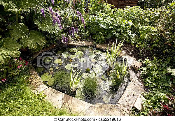 装飾用庭, 池 - csp2219616