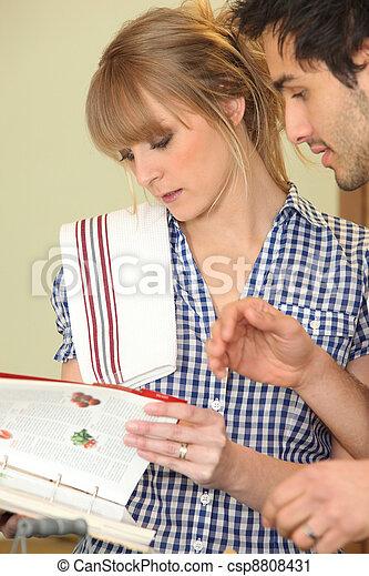 見る, 恋人, 料理の本, レシピ - csp8808431