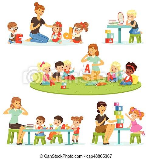 説明 わずかしか 子供 のまわり 彼女 アルファベット Set 女の子 遊び 幼稚園 男の子 ベクトル 勉強 イラスト 微笑 教師 青 説明 わずかしか のまわり 彼女 アルファベット Set 女の子