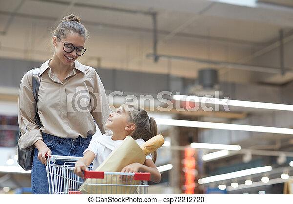 買い物, 若い, スーパーマーケット, 母 - csp72212720
