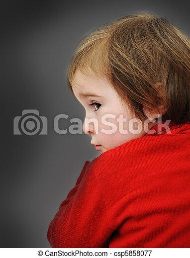 赤ん坊, 悲しい - csp5858077