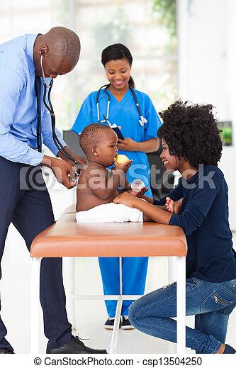 赤ん坊, 検査, 小児科医, 男の子 - csp13504250