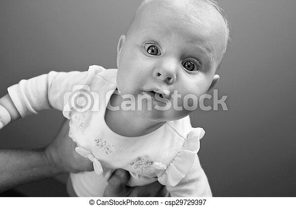 赤ん坊, 見る, 女の子, カメラ - csp29729397