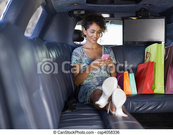 轿车, 妇女购物, 在之后 - csp4058336