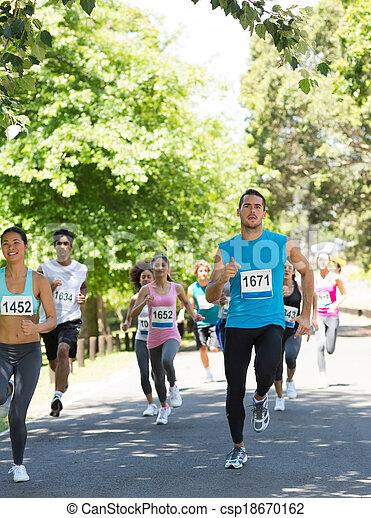 運動選手, 動くこと, マラソン - csp18670162