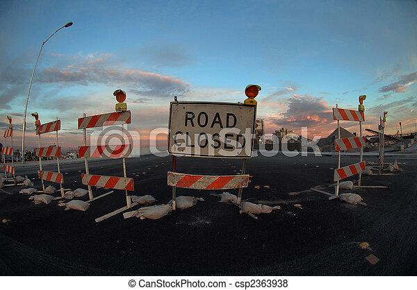 道は 閉まった - csp2363938