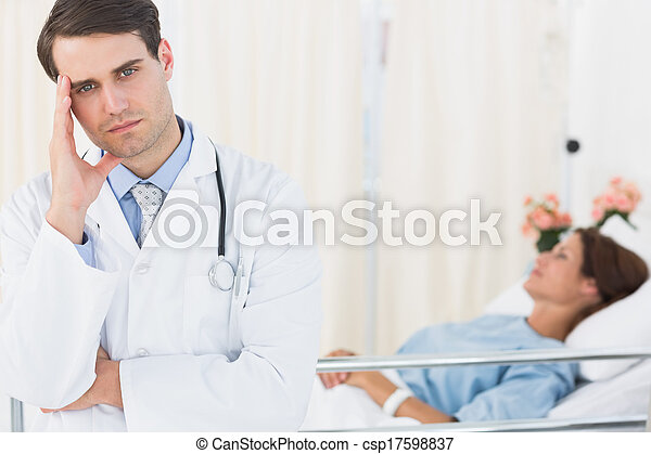 醫院, 擔心, 病人, 醫生 - csp17598837