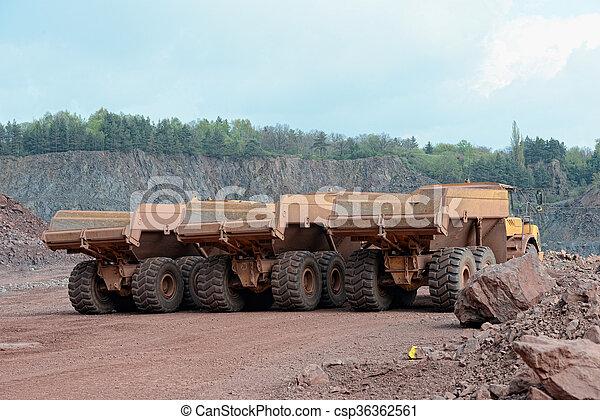 采石場, 卡車, 三, mine., 堆存處, 行 - csp36362561
