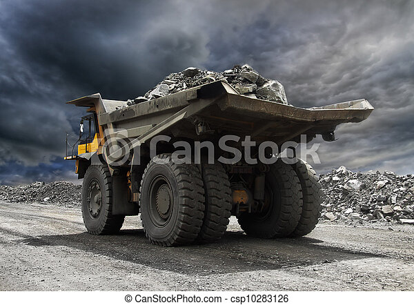 鉱山トラック - csp10283126