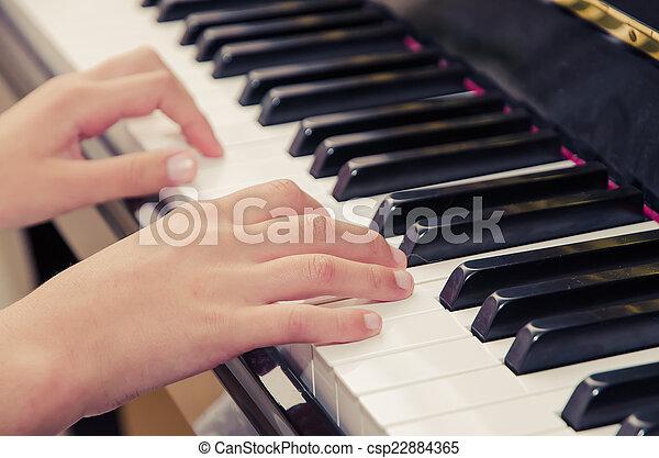 鋼琴 - csp22884365