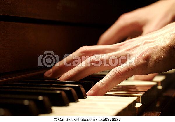 鋼琴, 手 - csp0976927