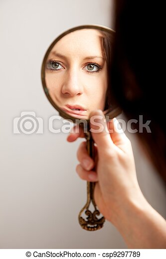 鏡, 女性, クローズアップ, 反射, 顔 - csp9297789