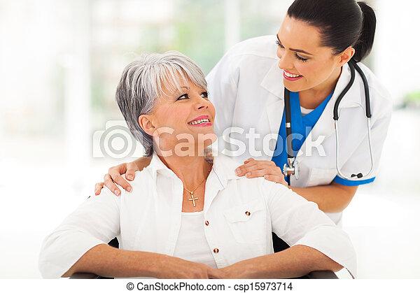關心, 年長者, 病人, 醫生 - csp15973714