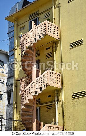 階段, らせん状に動きなさい, カラフルである - csp42541239