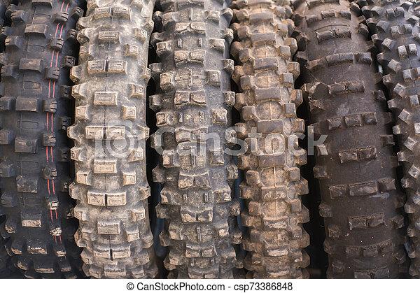 離れて, motocross, 道, 使われた, タイヤ, バックグラウンド。 - csp73386848