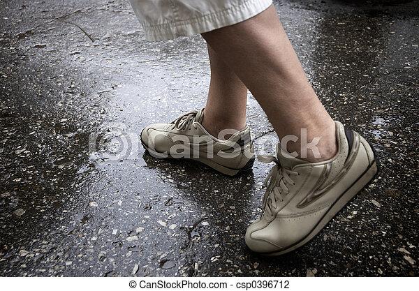 雨の日, 歩くこと - csp0396712