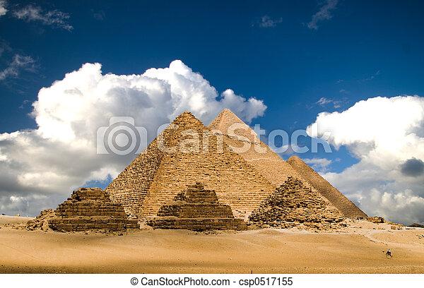 雲, ピラミッド - csp0517155