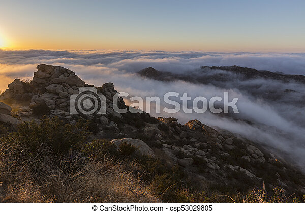 雲, 公園, アンジェルという名前の人たち, los, カリフォルニア, ピークに達しなさい, 日の出 - csp53029805