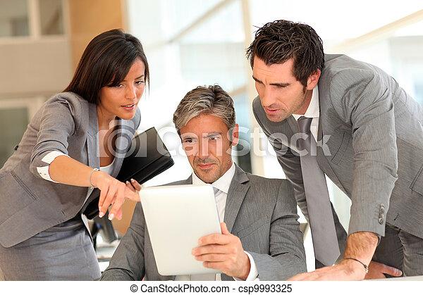 電子, ミーティング, ビジネス, タブレット - csp9993325