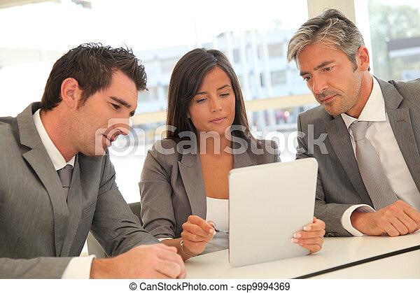 電子, ミーティング, ビジネス, タブレット - csp9994369