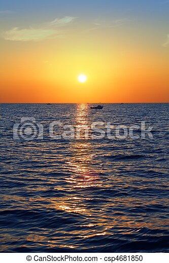 青, 金, 海景, 空, 海洋, 日の出, 海, 赤 - csp4681850