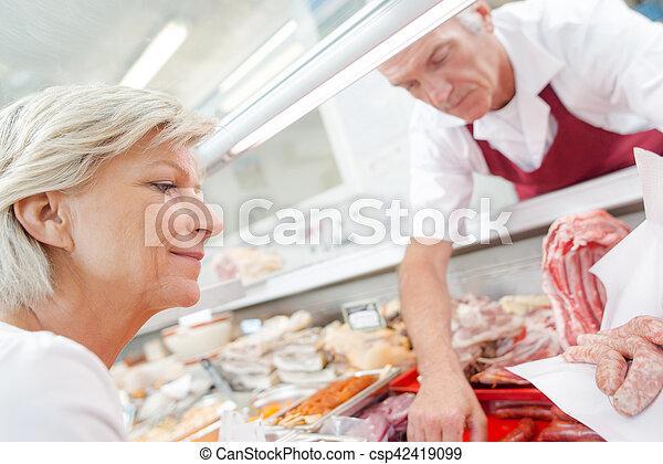 顧客, 給仕, ソーセージ, 肉屋 - csp42419099