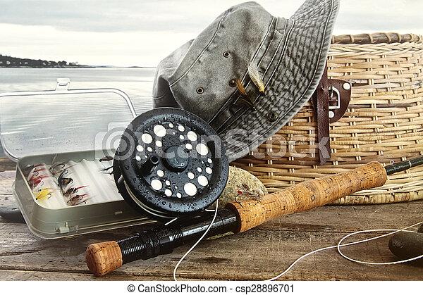 飛, 齒輪, 水, 釣魚, 桌子, 帽子 - csp28896701
