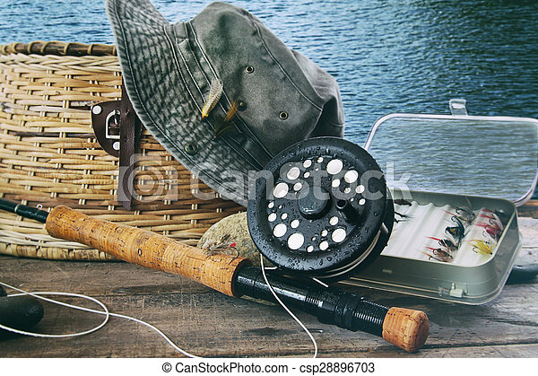 飛, 齒輪, 水, 釣魚, 桌子, 帽子 - csp28896703