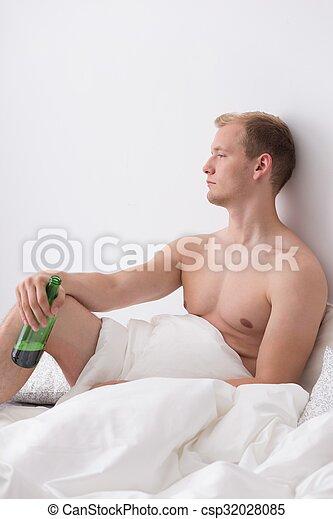 飲むこと, ベッド - csp32028085