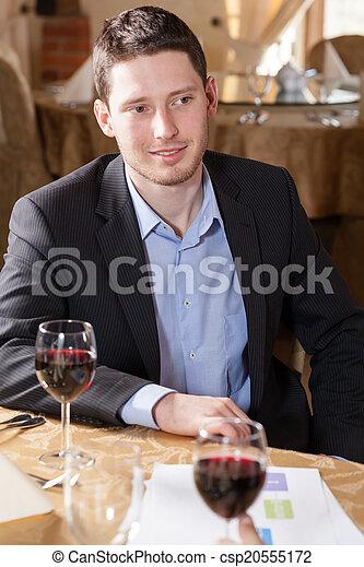 飲むこと, 人, ワイン, レストラン - csp20555172