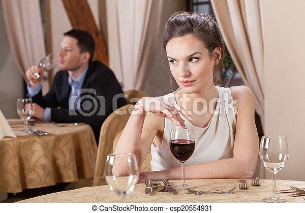 飲むこと, 女, ワイン, レストラン - csp20554931