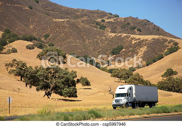 高速公路, 卡車 - csp5997946