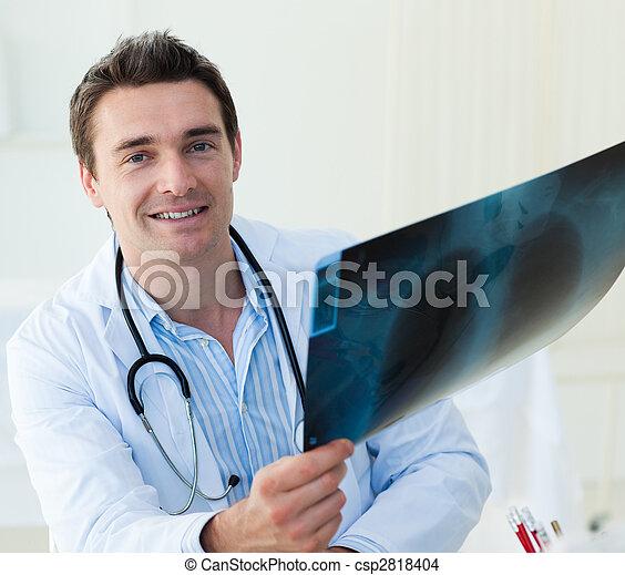 魅力的, 医者, 検査, x 線 - csp2818404